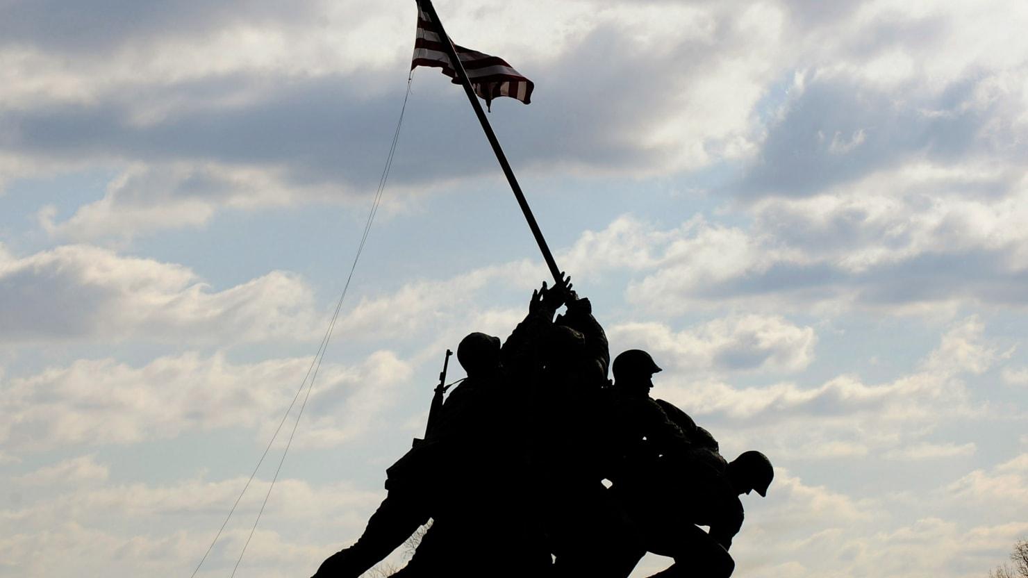 Marines: 2 Men Misidentified as Having Raised 1st Iwo Jima Flag - The Daily  Beast