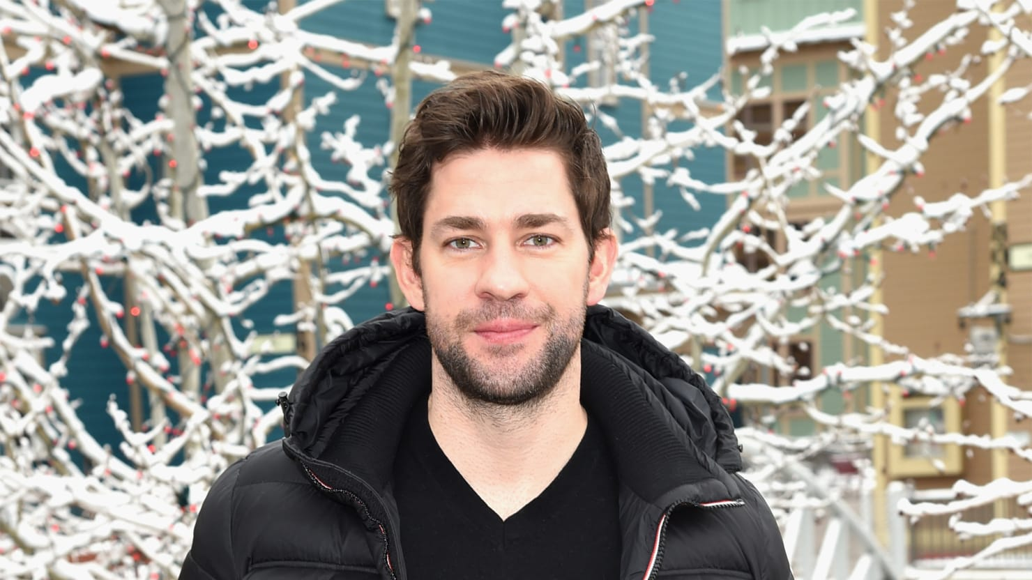 john krasinski criticizes politicians for exploiting 13 hours