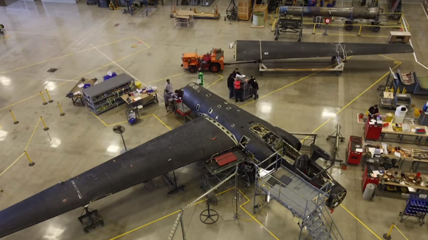 Disassembling A U 2 Spy Plane