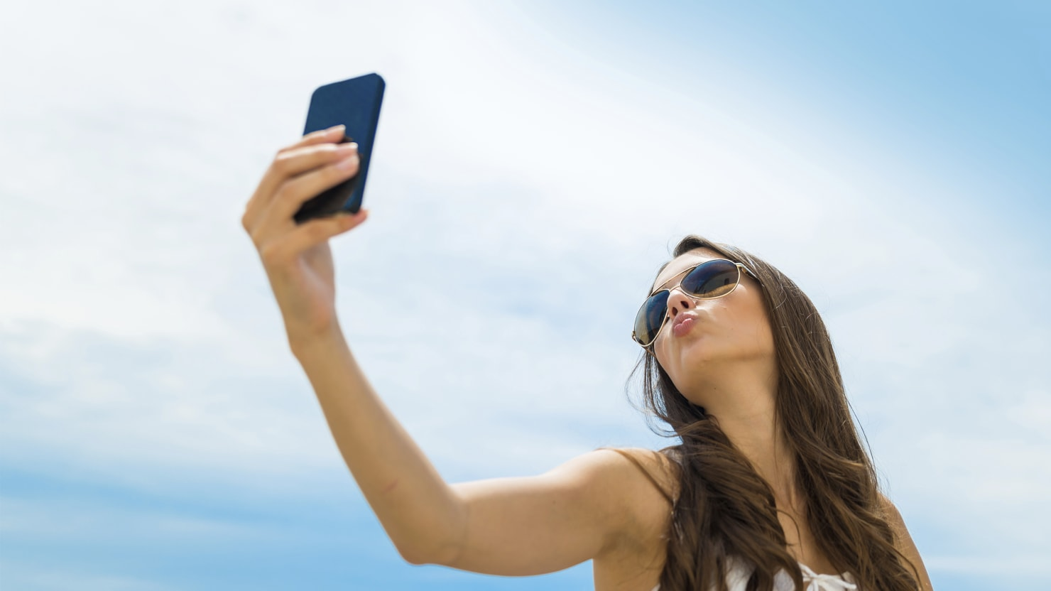 Debunking the Great 'Selfies Are More Deadly Than Shark ...