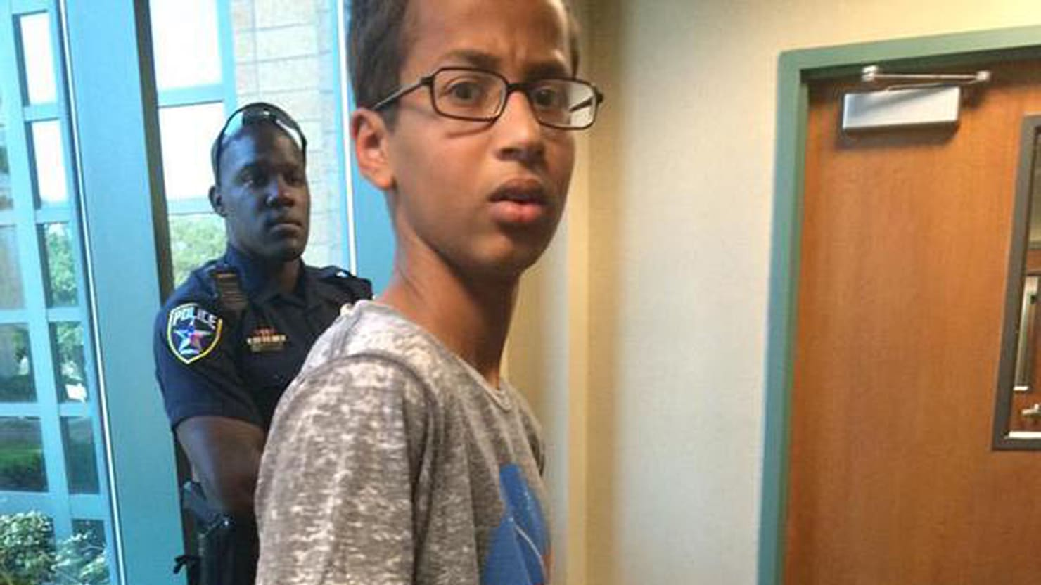 Police Violated Ahmed Mohamed's Civil Rights by Keeping Away His Parents