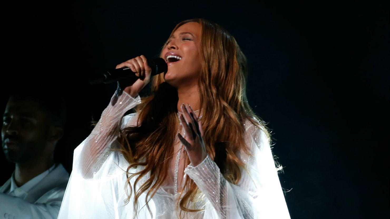 How Beyoncé Conquered the World… Silently