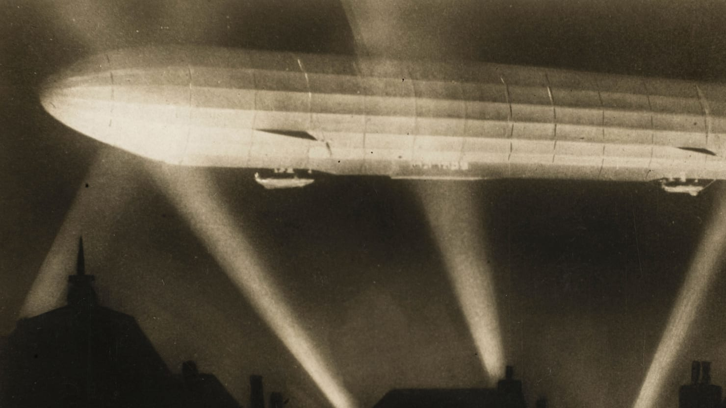 The Zeppelin That Bombed London and Changed the World