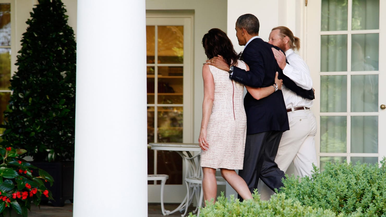 Can Obama's New Plan Save 30 American Hostages?