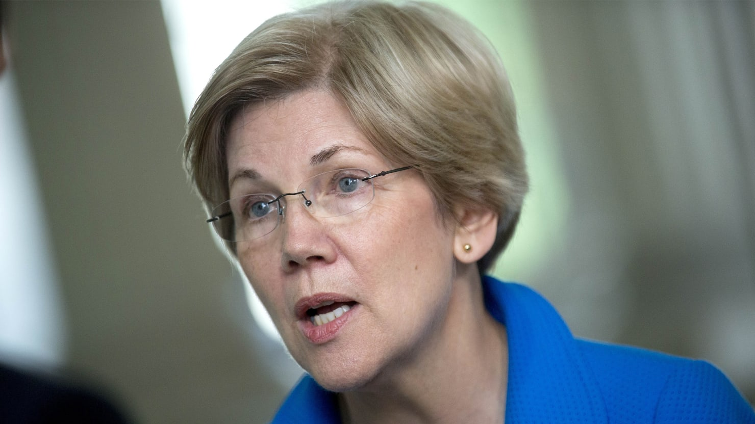 In the Warren vs. Dimon Feud, It's Warren, Not Even Close