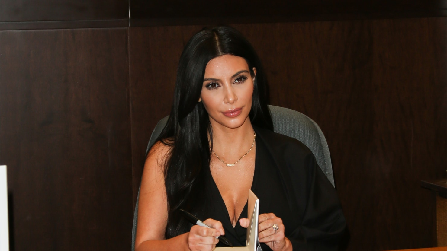 Why Kim Kardashian Can't Write Good