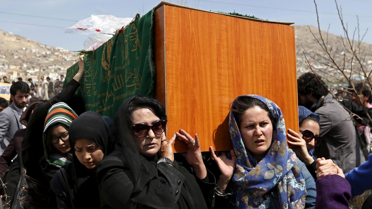 Afghan Women Defy Mullahs To Bury Murdered Girl