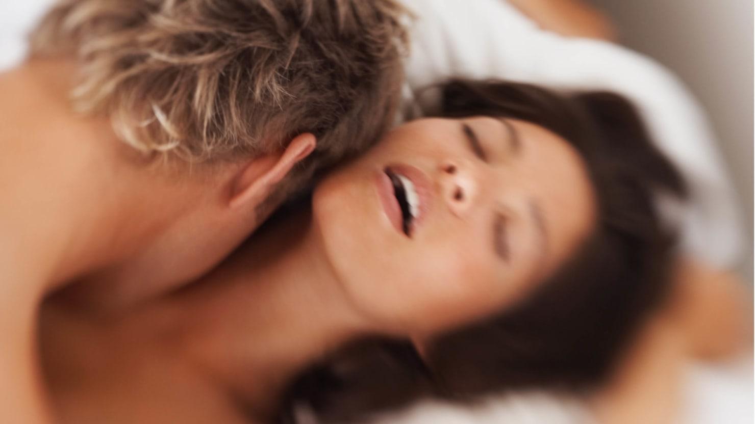 zhopu-huy-orgazm-nastoyashiy-devushek-molodimi