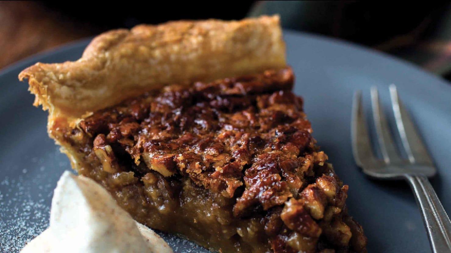Make 'The Chew's' Carla Hall's Pumpkin Pecan Pie
