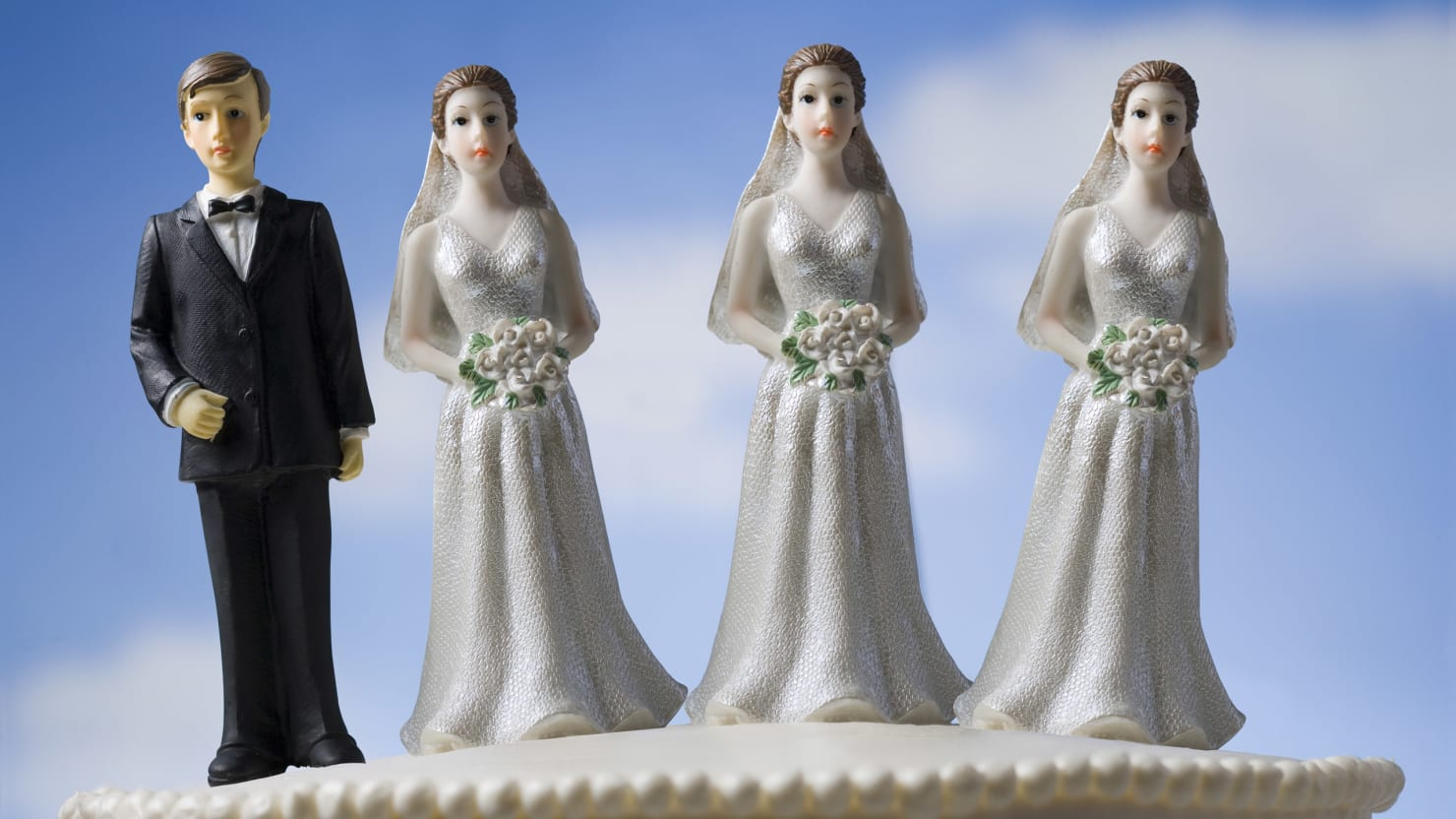 polygamy marriage and husband 7 famous polygamists (and their many, many wives) by stacy conradt may 1, 2008 it's been pretty hard to miss what's been going on at the yearning for zion ranch near eldorado, texas in case you haven't heard, here's a quick recap: the fundamentalist church of jesus christ of latter day saints, which believes in polygamy, (which is.