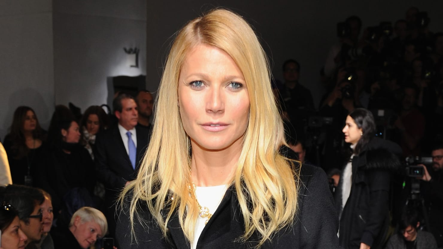Gwyneth Paltrow Claims Water Has Feelings in Weird New BlogPost pics