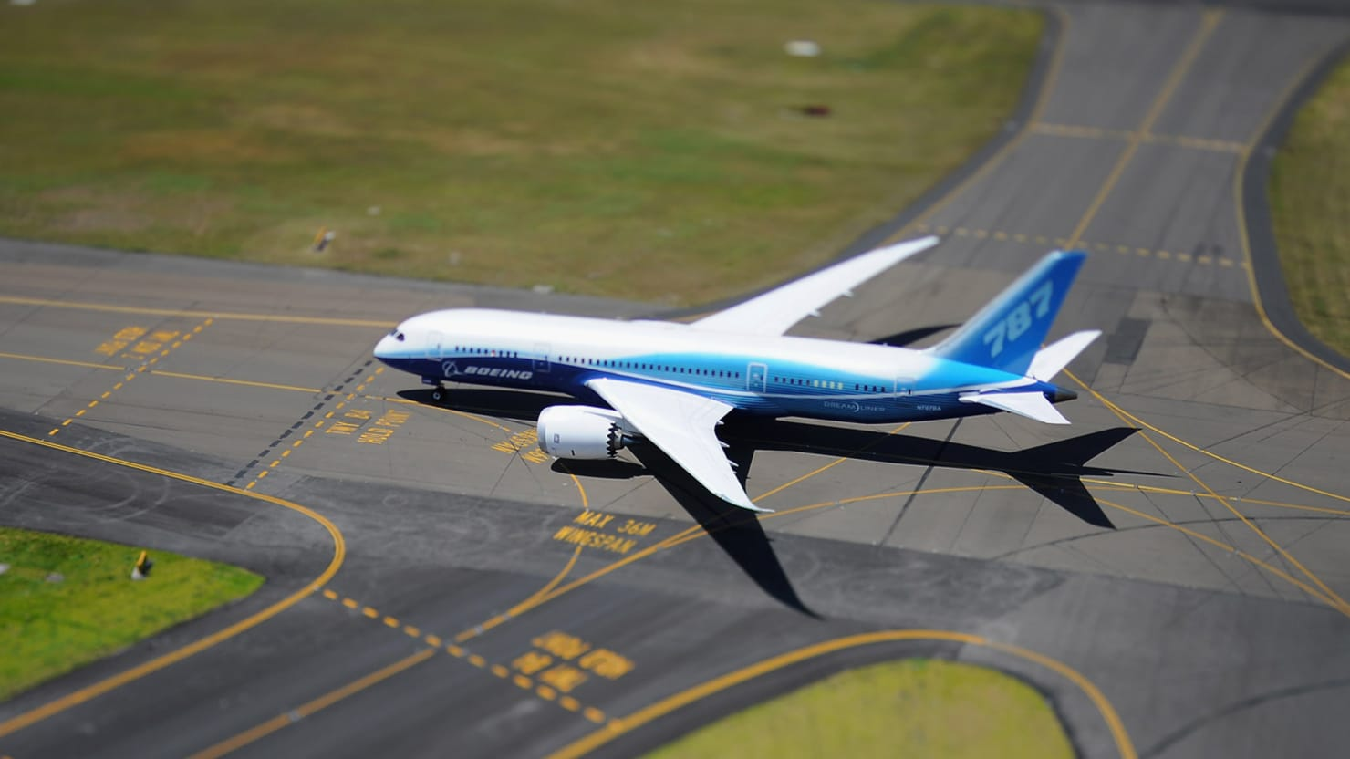 ntsb doesn't think the boeing 787 dreamliner is safe enough to fly