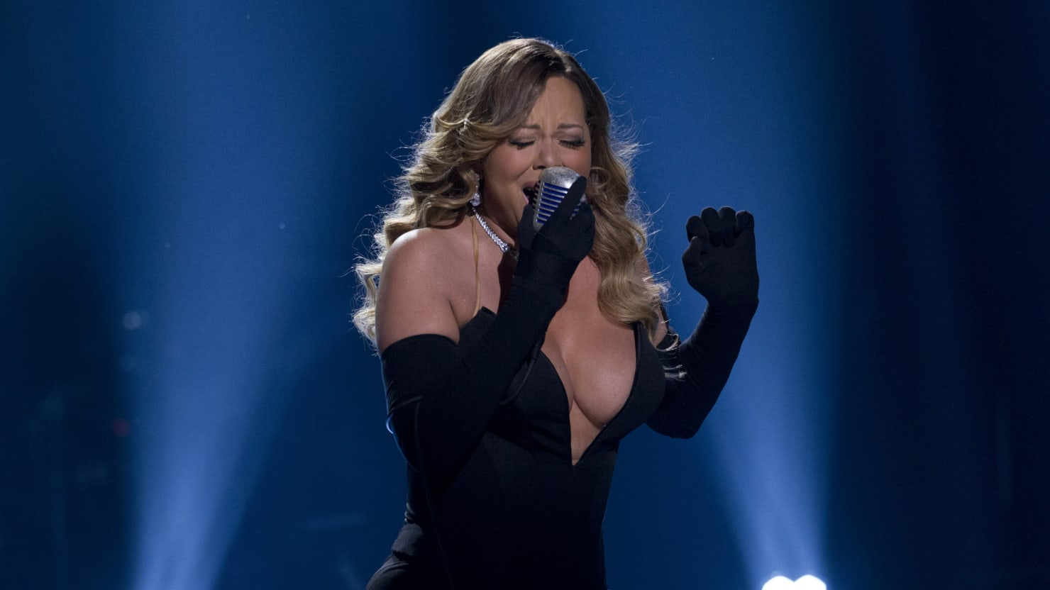 'Me. I Am Mariah…The Elusive Chanteuse' Review: We. We Are Underwhelmed