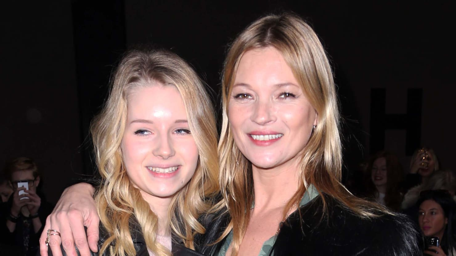 kate moss advises younger sister to drop out of school