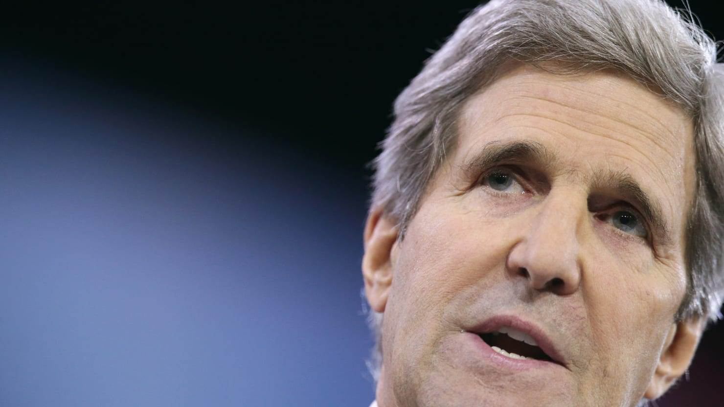 Kerry Apologizes for Apartheid Comments