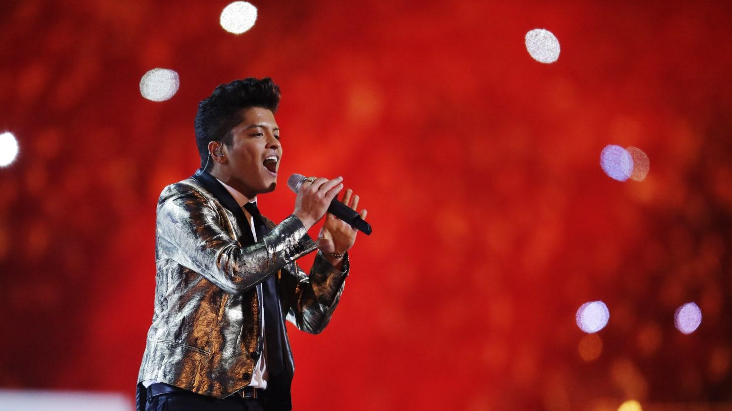 Bruno Mars Super Bowl Halftime Show Review: Strange (Blood
