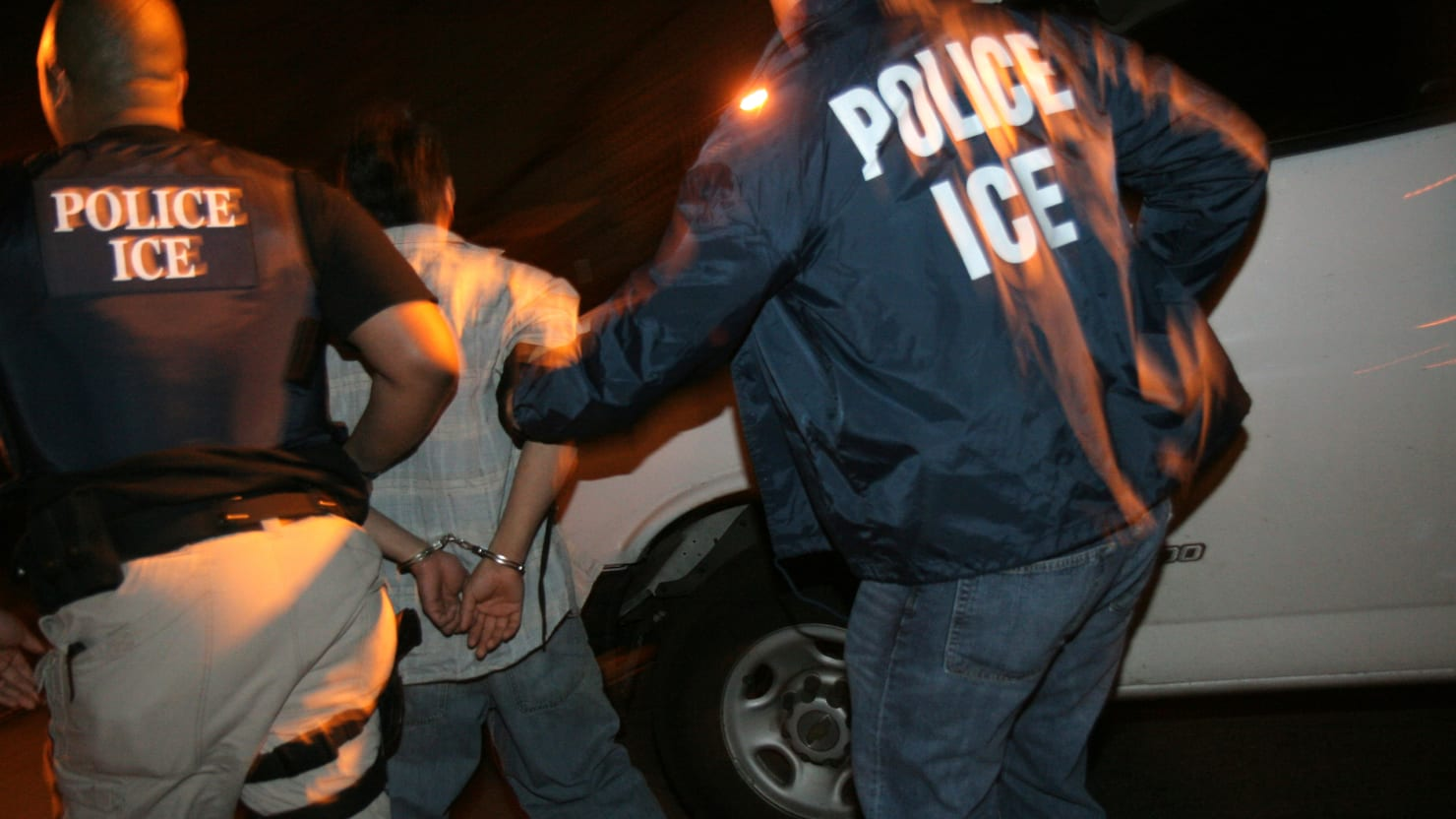 Obama Could Legally Stop Immigrant Deportations