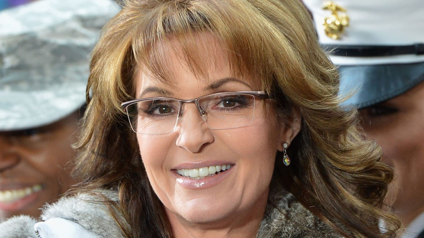 images-hot-sarah-palin-glamour-pictures-lesbain-nude