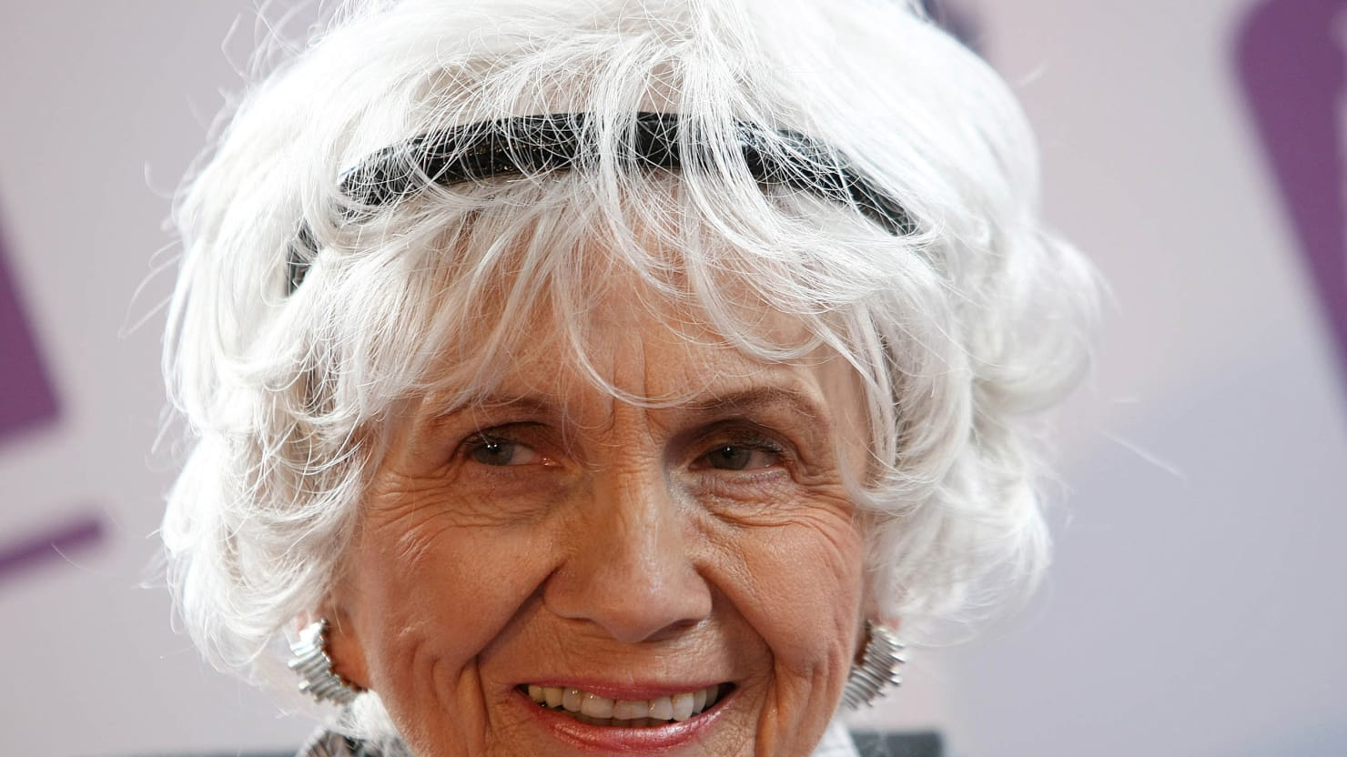 60 Second Guide to Alice Munro: 2013 Winner of Nobel Prize for Literature