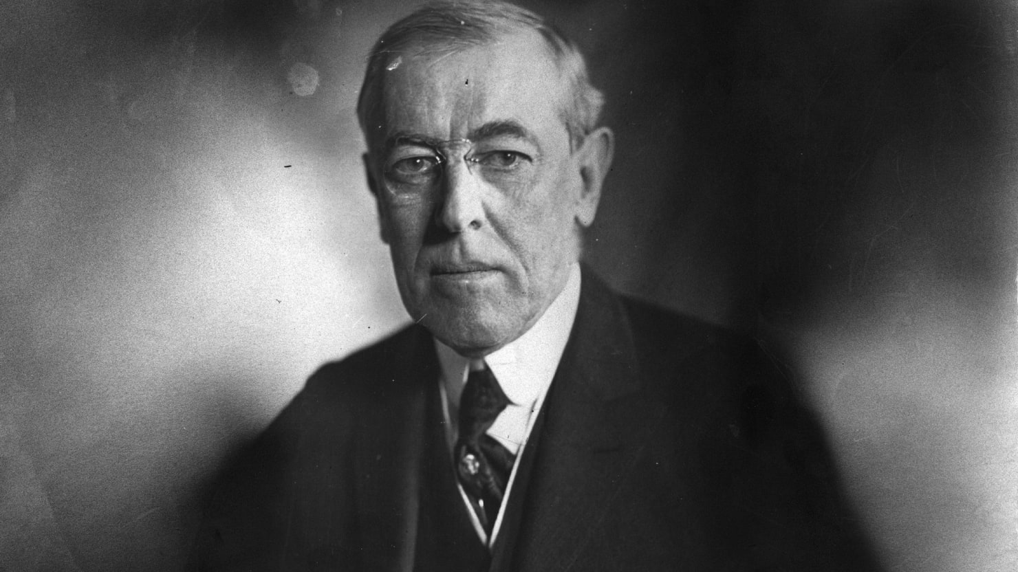 an examination of the greatest american president of all time thomas woodrow wilson Watch video  woodrow wilson, who ranked sixth in the 2000 survey, dropped to 11th, as the post-world war i map of the middle east that wilson helped to draw crumbled into anarchy, and historians placed new emphasis on his atrocious civil rights record.