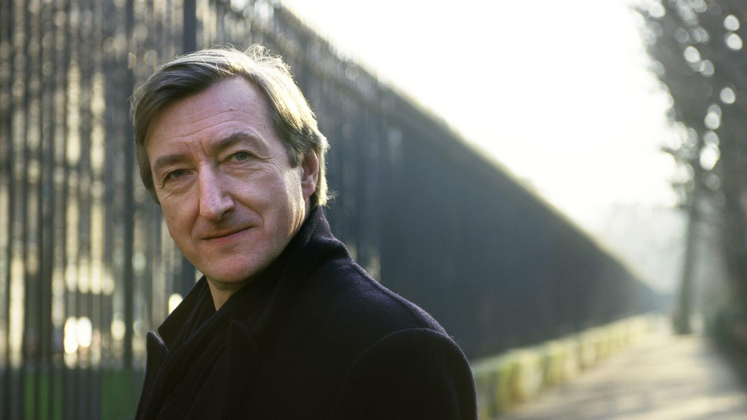 julian barnes essays Anyone who loves france (or just feels strongly about it), or has succumbed to the spell of julian barnes's previous books, will be enraptured by this collection of essays on the country and its culture barnes's appreciation extends from france's vanishing peasantry to its hyper-literate pop.