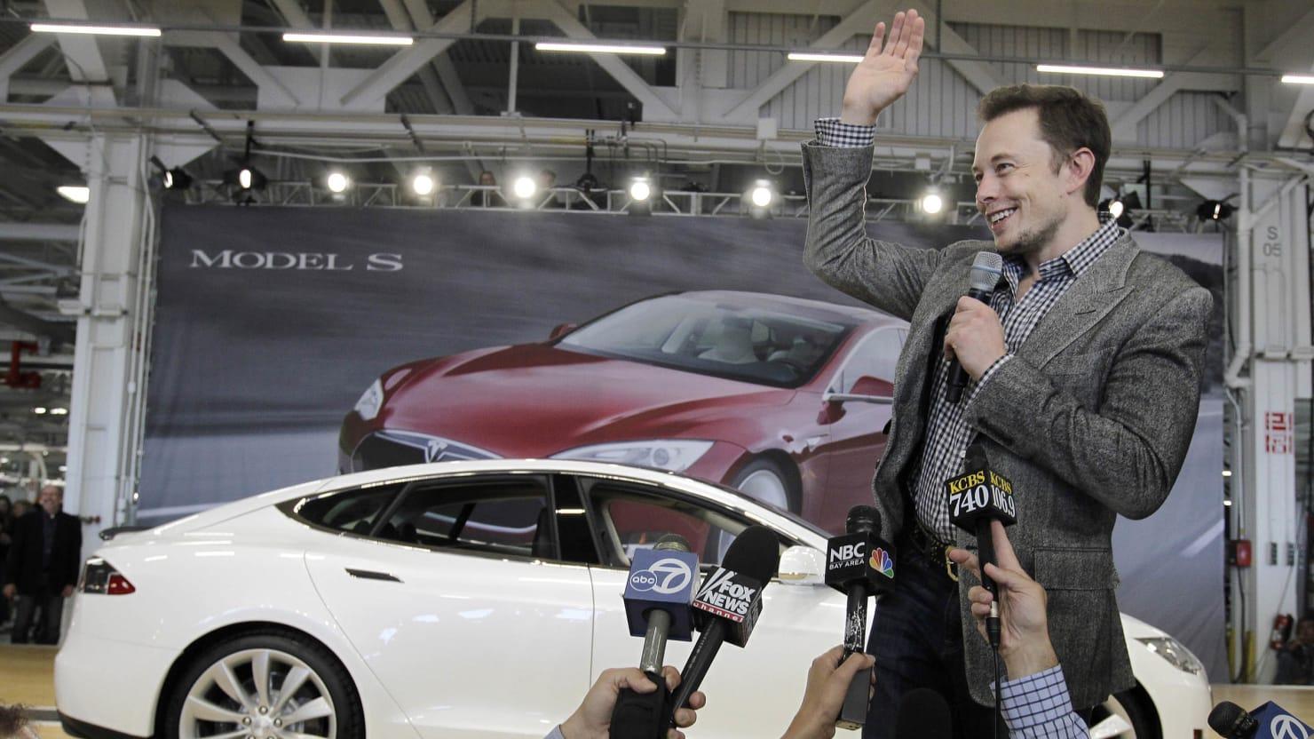 Wall Street Hearts Tesla