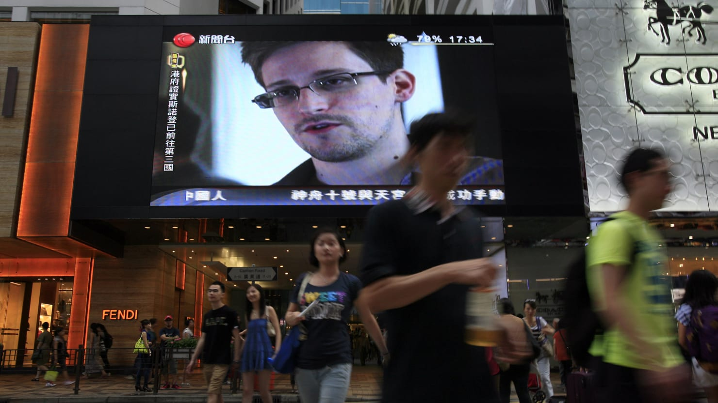 Snowden on the Run: From Hawaii To Hong to Moscow. Next Stop: Ecuador?