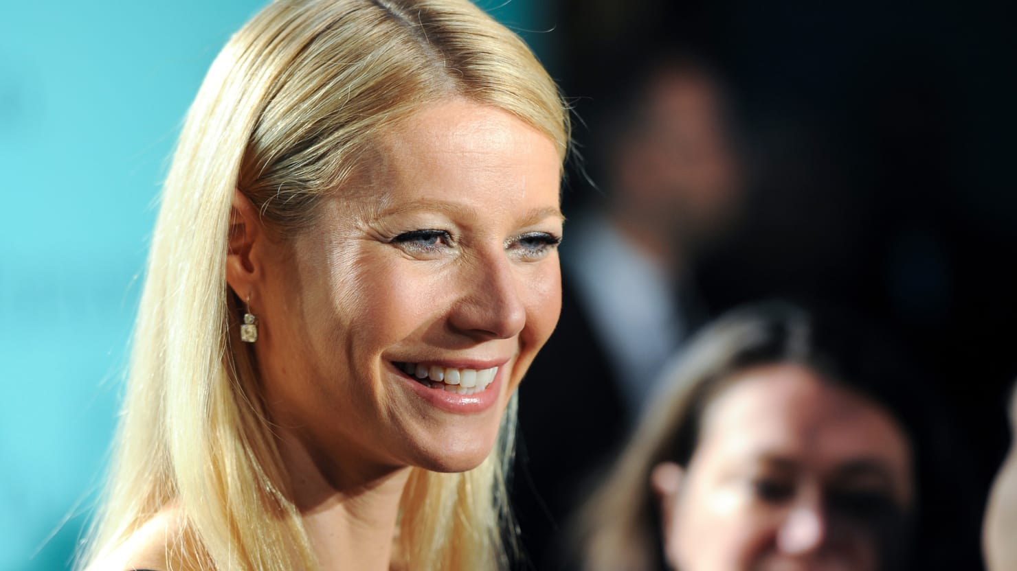 Gwyneth Paltrow quits America