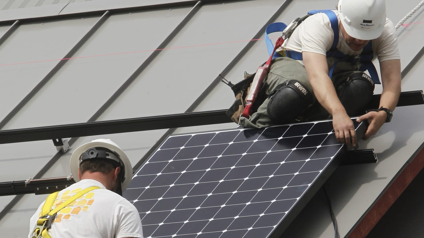 California Towns Pass Law Requiring New Buildings to Have Solar Panels