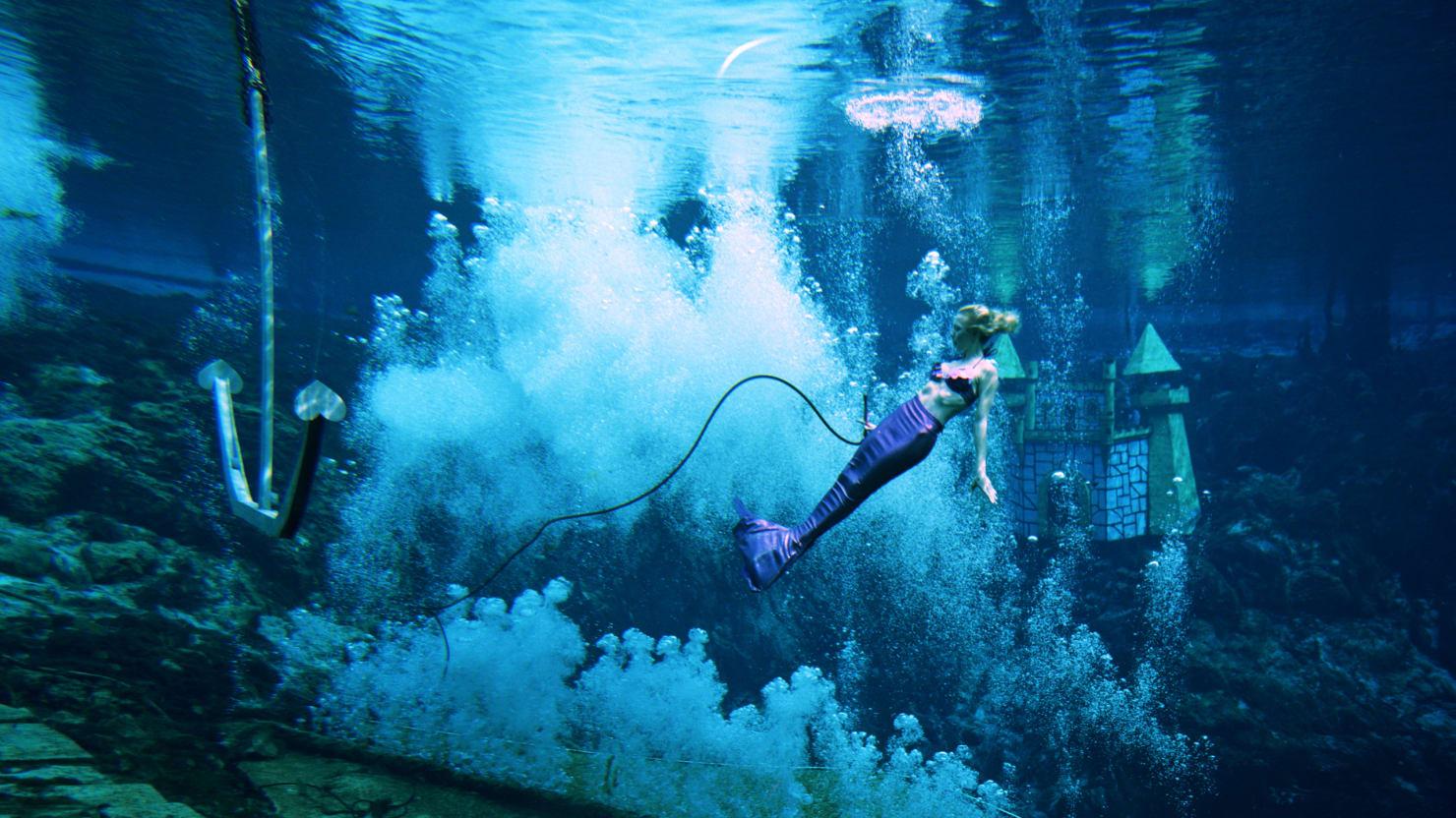 The world s craziest underwater adventures for Blue sea motor inn