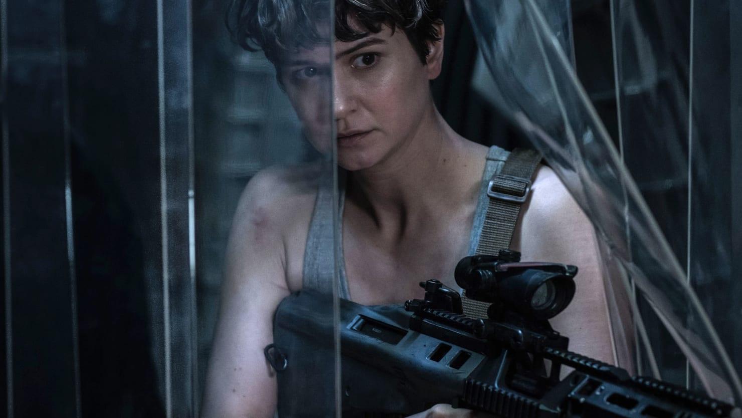 Katherine Waterston Channels Ripley In New Alien Covenant Photo