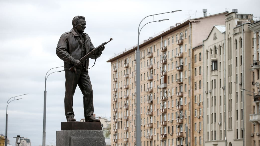 Lone Protester Silenced As Russia Erects 25 Foot Monument To The