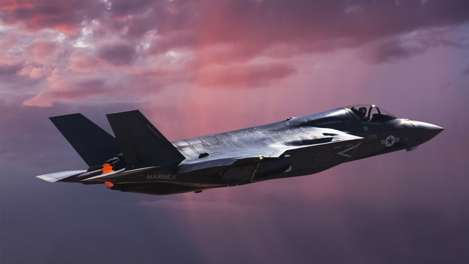 The Air Force Just Bought 100 Stealth Fighters That Can't Fight