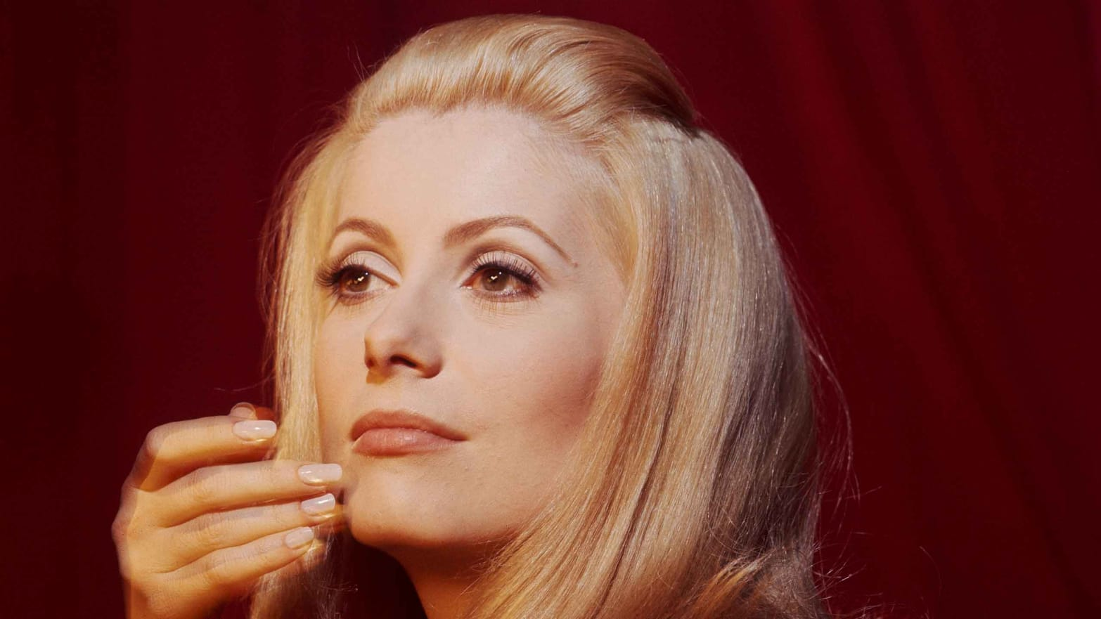 Catherine Deneuve Nude Photos 70