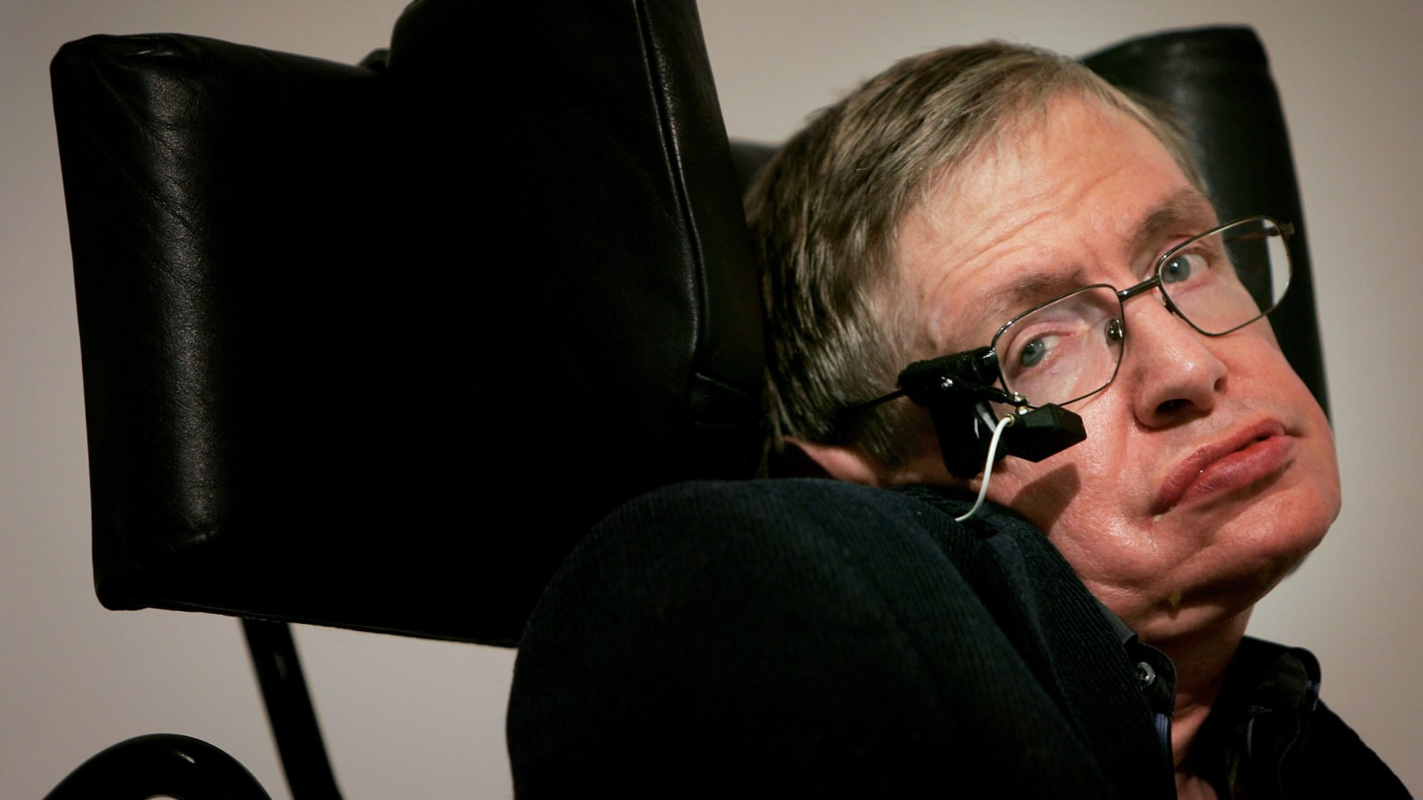 stephen hawking amyotrophic lateral sclerosis als lou gehrig's disease the theory of everything simpsons star trek big bang theory crunch quantum mechanics physics genius