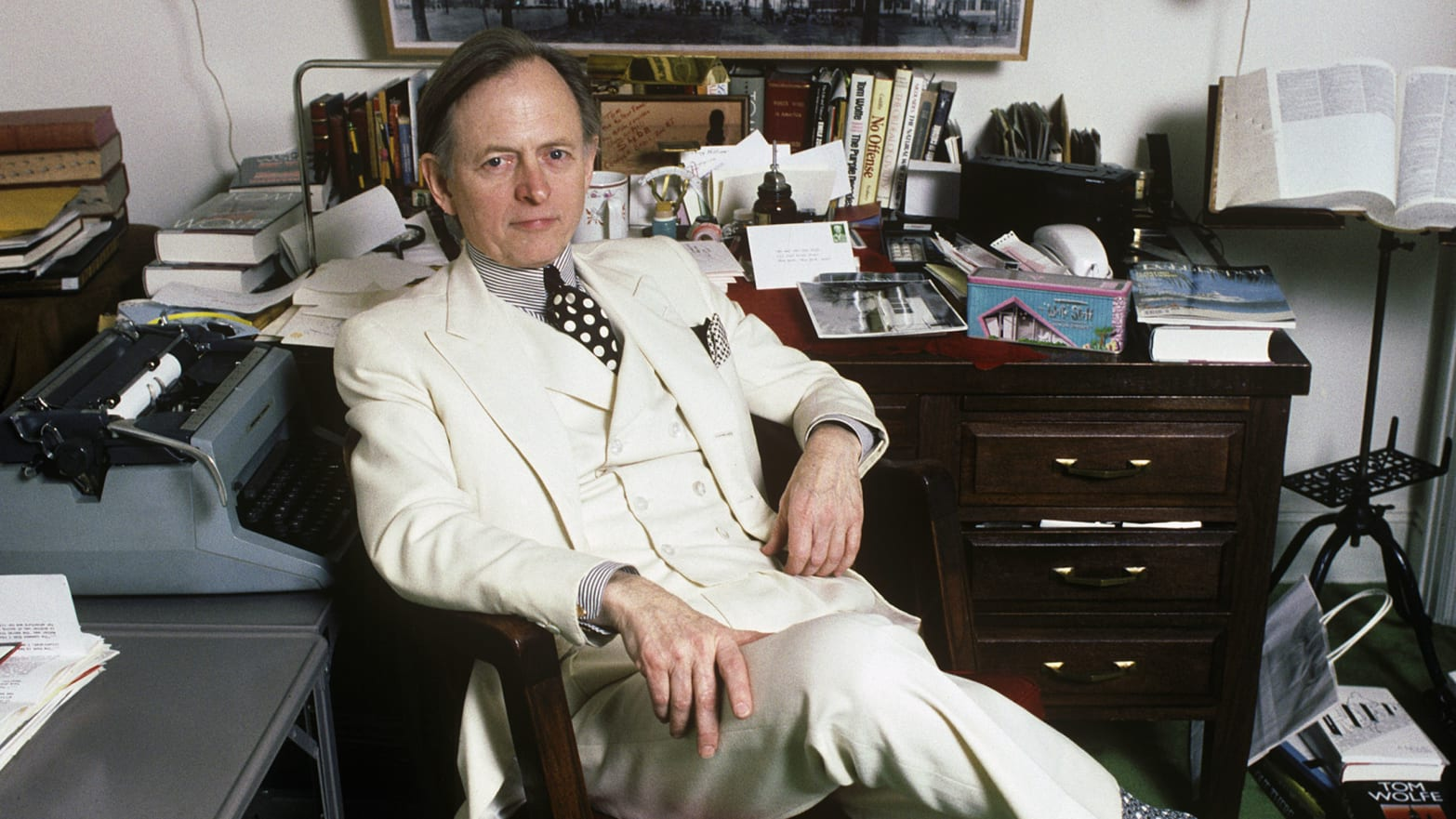 Tom Wolfe Dies and Exchanges His Trademark White Suit for Angel's Wings