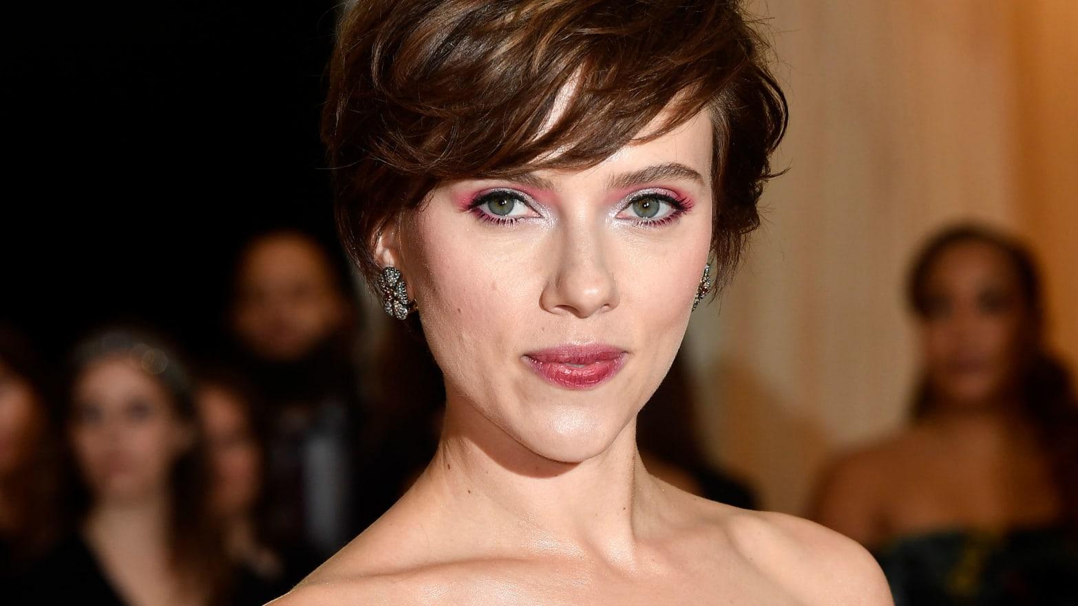 Scarlett Johansson Reveals Hollywood's Big Transgender Problem
