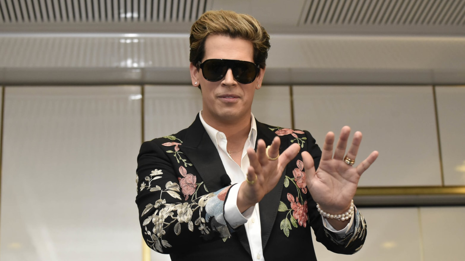 Milo Yiannopoulos Wedding.Milo Yiannopoulos Alleged To Be More Than 2 Million In Debt