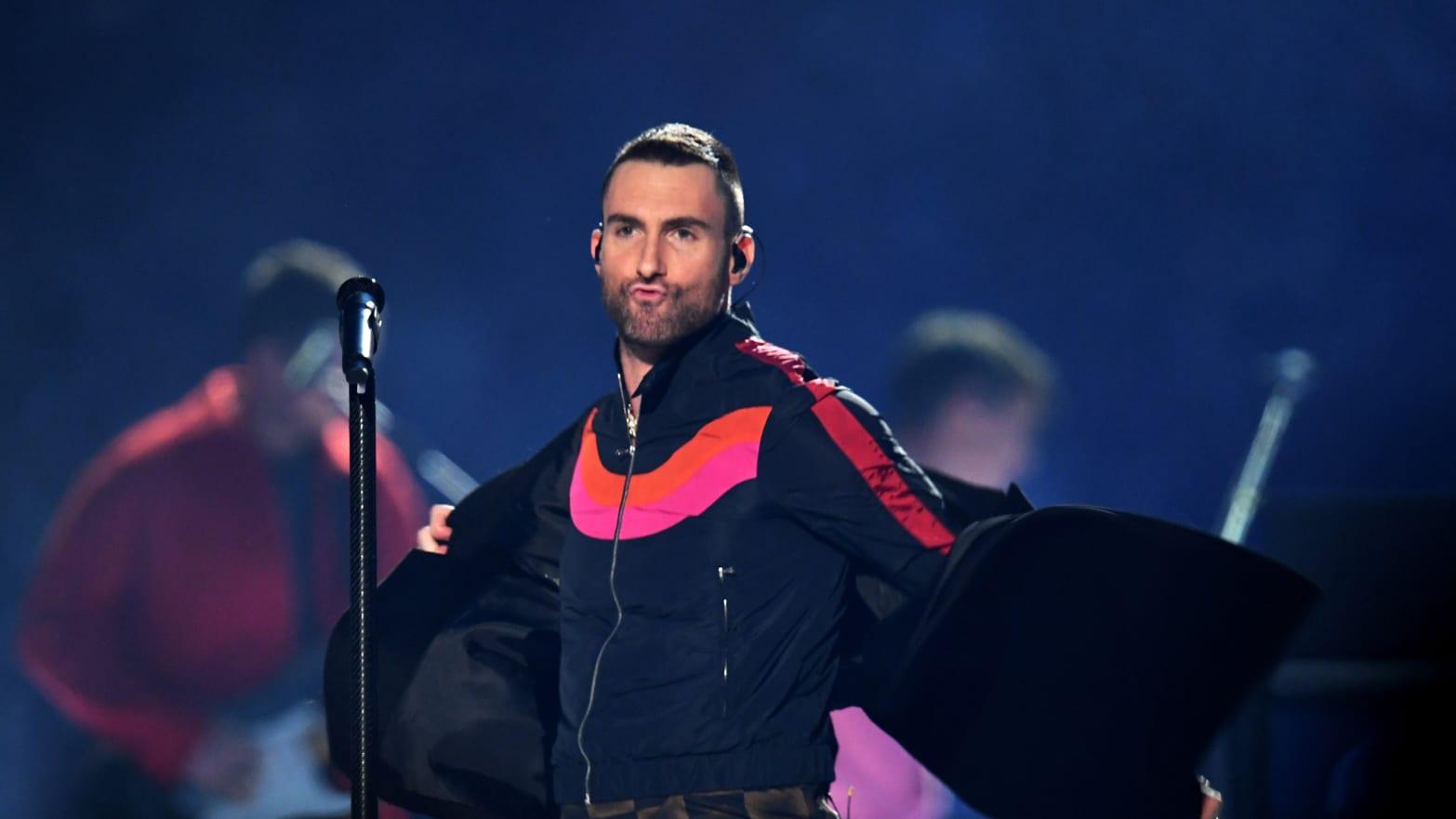181c0fbc5 2019 Super Bowl's Halftime Show: Maroon 5, Adam Levine Dragged on Twitter