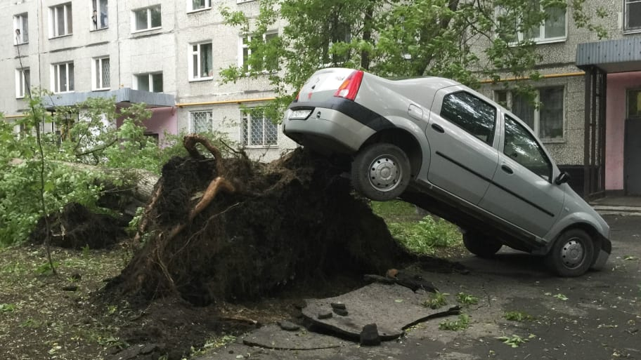 13 Killed in Freak Storms in Moscow