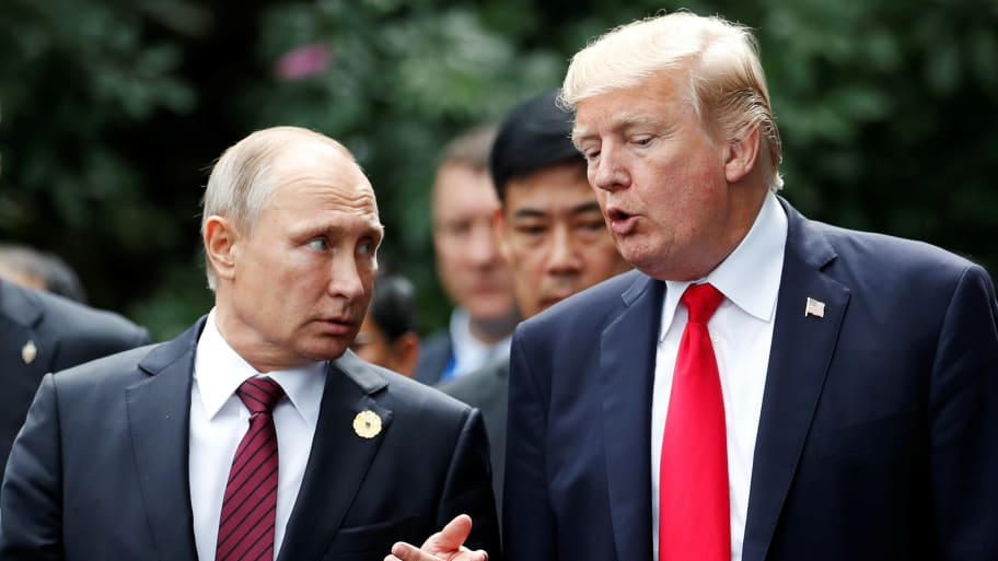 Report: Aides Told Trump Not to Congratulate Putin on Election Victory