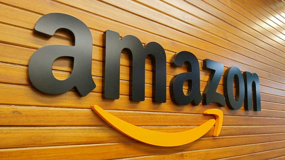 Amazon Will Now Deliver Packages to Parked Cars