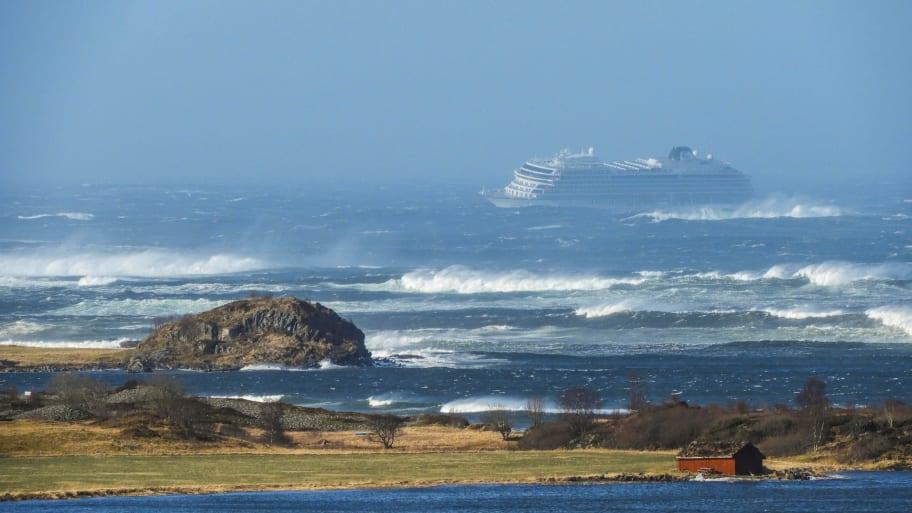 Cruise ship evacuates passengers