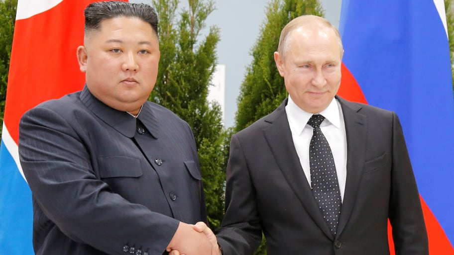 Putin and Kim meet in Vlodivostok