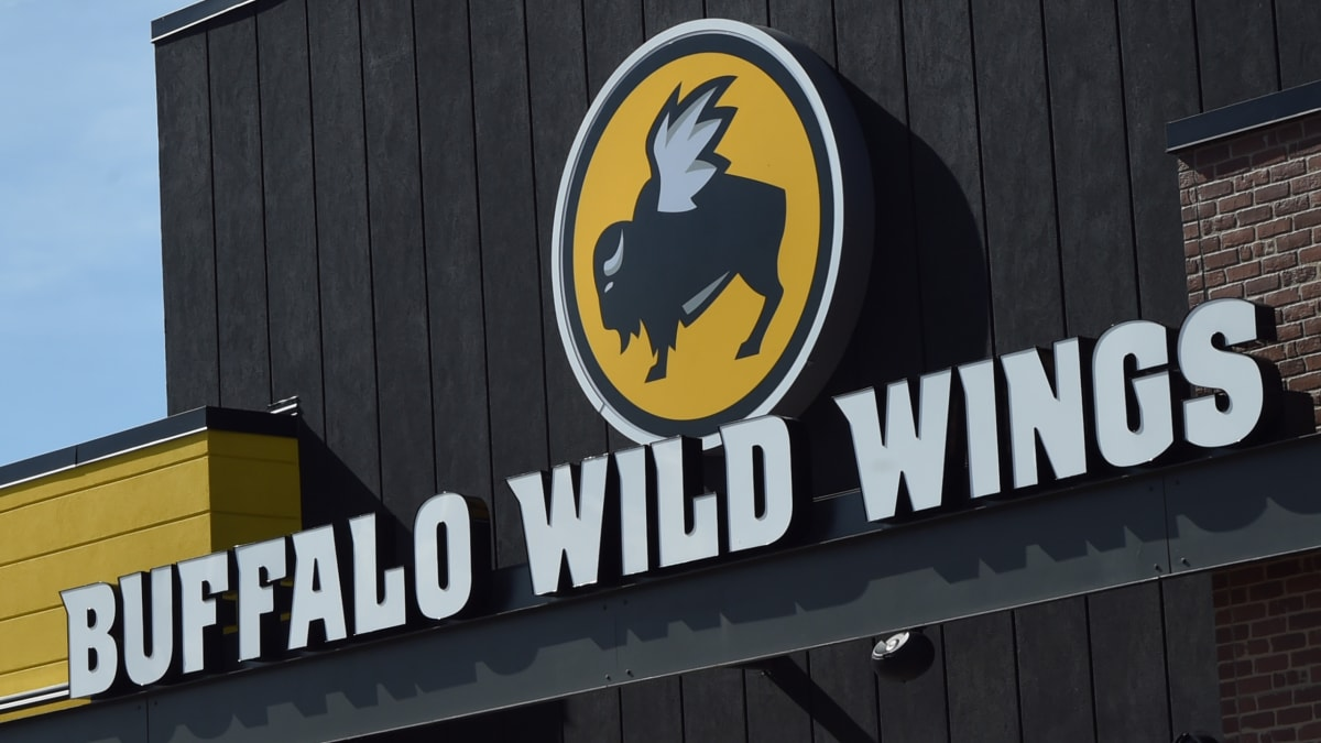Buffalo Wild Wings Managers Said It's OK to Refuse Black Customers: Lawsuit