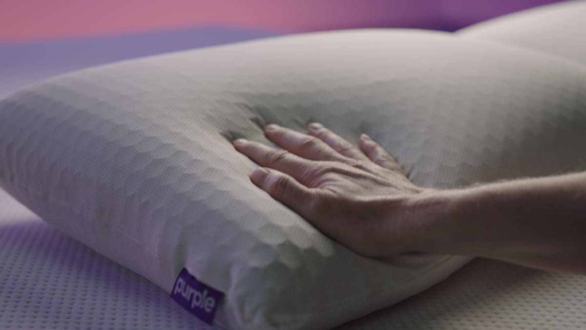 The Purple Harmony Pillow Helps Your Head and Your Brain