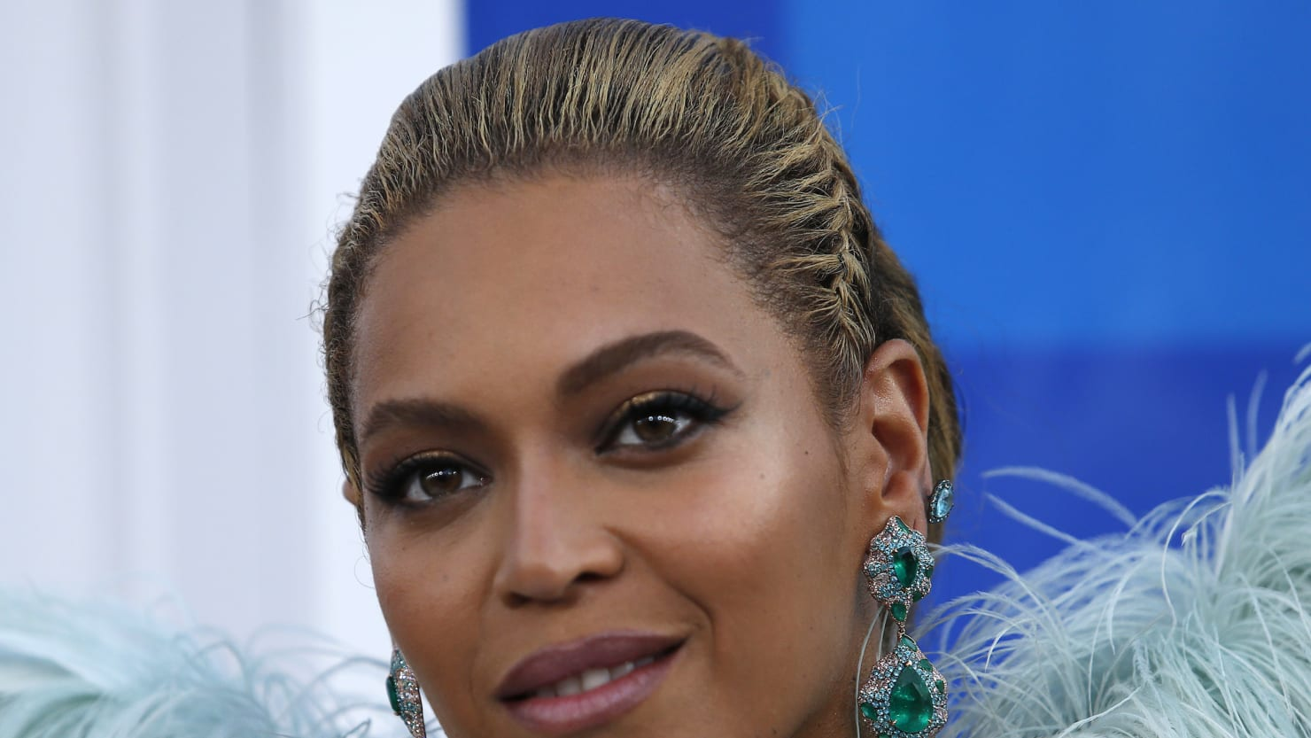 Solange, Kendrick Lamar and More Outraged Over Beyoncé's Grammys Snub