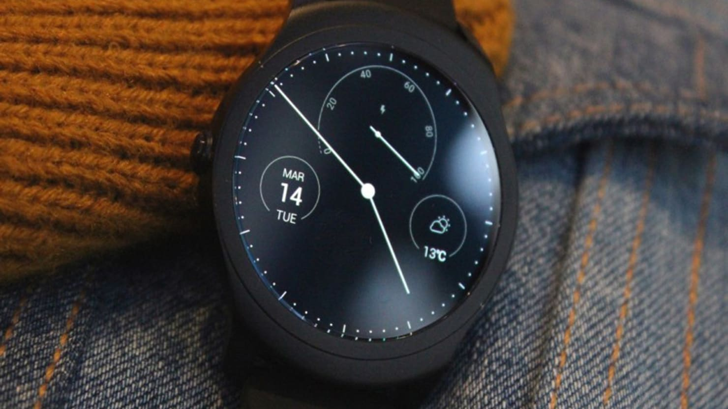 This Smartwatch Is Beating Apple & Google At Their Own Game