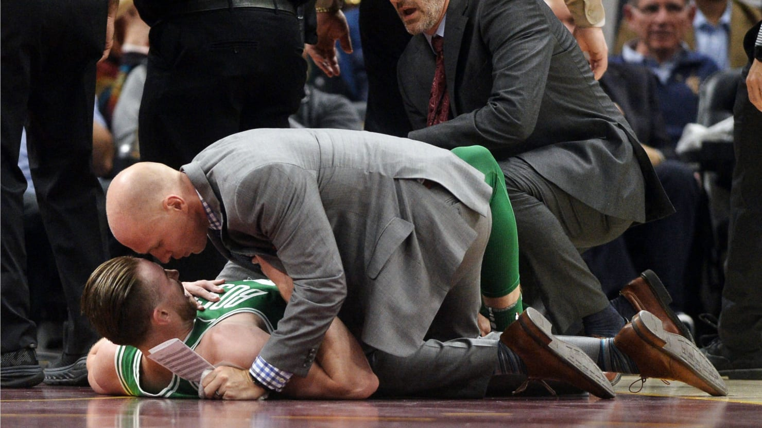 Gordon Hayward S Ankle Snaps In Half In First Celtics Game