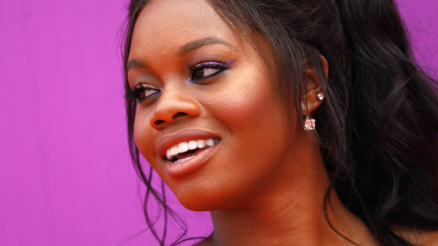 Gabby Douglas Apologizes to Teammate Aly Raisman for Victim ...